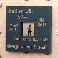 I also like the big brother/little brother frames