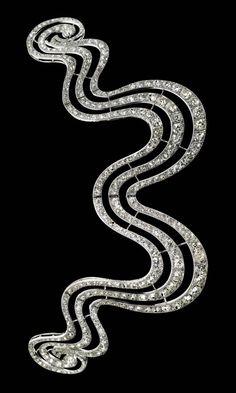 Hair Ornament, Cartier Paris, 1902. Composed of platinum, old- and rose-cut diamonds, mllegrain setting.