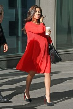 this is how I wish I looked when I was preggos.  Love her :)                                                                                                                                                                                 More