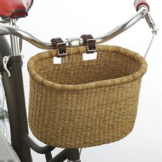 Great for your local farmers market trips. by:URA Asungtaba Bike Basket Crate And Barrel, Bicycle Basket, Bike Baskets, Vespa, Plastic Items, Bike Style, Crate Storage, Leather Buckle, Cool Bikes