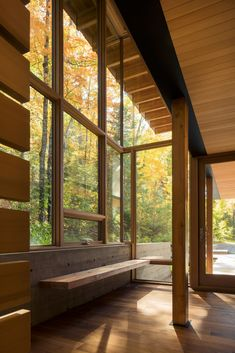 Image 15 of 15 from gallery of The Bear Stand / Bohlin Grauman Miller + Bohlin Cywinski Jackson. Photograph by Bohlin Cywinski Jackson Japanese Home Design, Japanese House, Cabin Design, House Design, Ontario, Spiegel Online, Beautiful Home Designs, Forest House, Indoor Outdoor Living