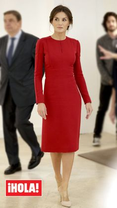 16 October 2018 - Queen Letizia attends the World Food Day at FAO Headquarters in Rome - dress by Carolina Herrera Daytime Dresses, Modest Dresses, Dresses For Work, Vestidos Carolina Herrera, African Traditional Wedding Dress, Classy Work Outfits, Corporate Attire, Uniform Dress, Laetitia