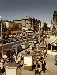 Ende 1950er West-Berlin - Kurfürstendamm mit Kaiser-Wilhelm-Gedächtniskirche.