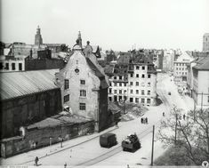 Old Photographs, Old Photos, Ppr, Poland, Paris Skyline, City Photo, Old Things, Germany, Louvre