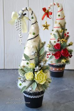 Вам понравилось Christmas Hat, Christmas Knitting, Christmas Wreaths, Christmas Crafts, Christmas Decorations, Xmas, Candy Bouquet, Diy Weihnachten, Felt Flowers
