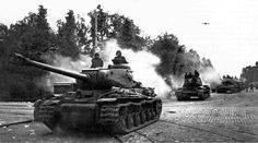 Soviet heavy tanks IS-122 entering into Viipuri (Vyborg), summer 1944.