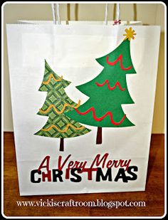 Vicki's Craft Room: Christmas Tree Gift Bag