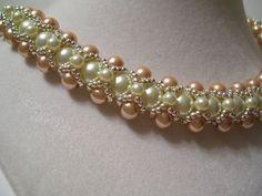 Vintage Champagne y marfil abalorios perla por BellaLucaDesigns
