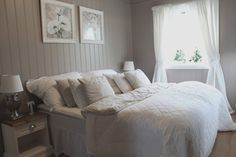 Bedroom inspiration for our cottage Pink Color Schemes, Dream Bedroom, Decoration, My Dream Home, Grey And White, Bedroom Decor, Bedroom Ideas, Your Style, Shabby Chic