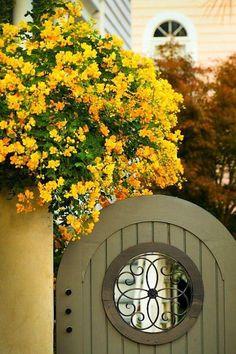 Incorporating Garden Gates in Landscape Design