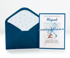 """Convite personalizado em forma de livrinho, para festa infantil no tema """"O Pequeno Príncipe""""."""