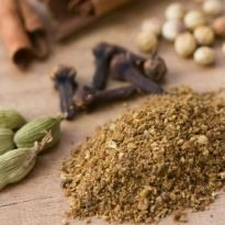 Kashmiri Garam Masala Recipe - Ready in a few minutes, this aromatic and flavourful Kashmiri masala can make any curry special.