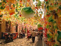 Festes de Gràcia - Barcellona, Spain   www.lovesweetfreedom.co.uk
