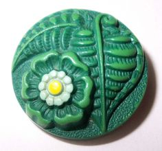 Large Vintage Buffed Celluloid Leaves Flower Button