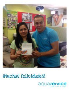 Nuestro repartidor Víctor entregando a los agraciados de una tarjeta Decathlon de los mini de Aquaservice en... ¡Madrid!¡Enhorabuena!