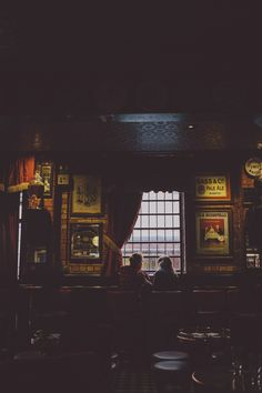 The Harp Bar Belfast, Engagement Shoot. City Engagement Inspiration
