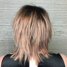 Mid-Length Shag For Straight Fine Hair Medium Shag Haircuts, Choppy Bob Hairstyles, Layered Haircuts, Straight Hairstyles, Funky Hairstyles, Formal Hairstyles, Boy Haircuts, Med Length Hairstyles, Wedding Hairstyles