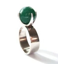 Jewelry care: how to clean your expensive jewelry Silver Jewellery, Antique Jewelry, Jewelery, Vintage Jewelry, Metalsmith Jewelry, Stylish Rings, Expensive Jewelry, Pretty Rings, Green Aventurine