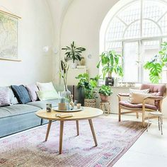 I'm partial to the arched window on Play School, so it's a given I'm envious of this space 😀 Light filled and love the added greenery 🍃🍃 Source: @bintihome @stekmagazine @margarethsikkens . . . #interior #interiorinspo #home #homeinspo #homestyling #interiordesign #interiorinspiration #living #livingroom #lounge #livingarea #decor #homedecor #livingspace #sofa #loungechair #indoorplants #design #housedesign #greenery
