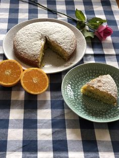 Easy to make Orange and poppyseed cake recipe. Just 7 ingredients needed to create this zesty, moist cake bursting with pops of poppyseeds. Super easy all you need is a bowl and a whisk! Perfect for afternoon tea, when friends drop by or kids lunchboxes Easy Cake Recipes, Dessert Recipes, Baking Recipes, Easy Caramel Slice, Blueberry Scones Recipe, French Apple Cake, Poppy Seed Cake, Lunch Box Recipes, Baking Tins