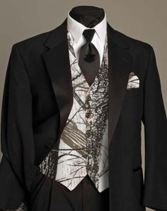 Camo Wedding Dresses And Tuxtuxedos Sandra Ds Bridal Section Tuxedos Trtuyria
