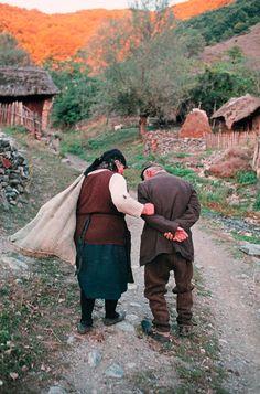 Old couple •• © Steve McCurry ••
