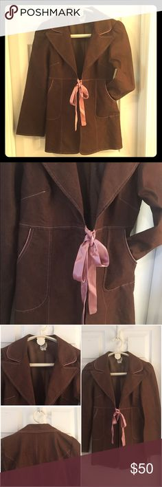 """IVY JANE  Brown & Pink Tie Jacket Blazer Sz S/M Adorable IVY JANE jacket  Made in the USA!!! Marked as a size SMALL, but may fit larger due to the styling. MEASUREMENTS when tied tight: 17"""" pit-to-pit, waist 32"""", sleeve length 24"""", length from top-of-collar to hem 29"""". Has some STRETCH to it as well. Lovely brown cotton/poly/spandex blend with a dusty rose satin front tie and pink stitching and accents. If you've ever been in a boutique that carries IVY JANE, then you know how exclusive and…"""