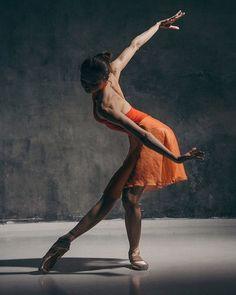 Stunning Alena Kovaleva, Vaganova Ballet Academy 2016 graduate and member of the Bolshoi's corps de ballet, photographed by Katerina Kravtsova 💖 Vaganova Ballet Academy, Bolshoi Theatre, Bolshoi Ballet, Dance Photography Poses, Dance Poses, Ballet Art, Ballet Dancers, Shall We Dance, Just Dance