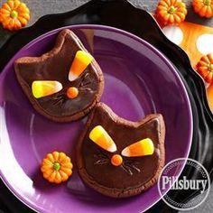 Scaredy Cat Halloween Cookies from Pillsbury™ Baking