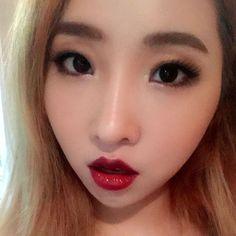 My favorite lipstick #mac#cremesheenhangup