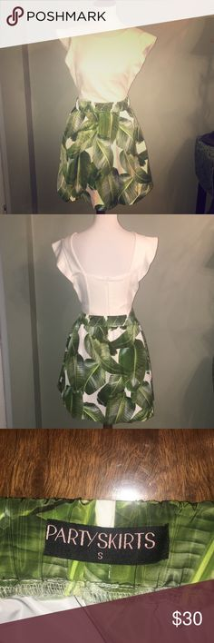 🍃 Party Skirts By Lauren & Mariel Palm Skirt🍃 NWOT this skirt is so fun and has an elastic waist to flatter any figure! I would say this will fit best for a size 4🍃 Purchased on Shopbop, still for sale on Party Skirts website for $100! Party Skirts Skirts Midi