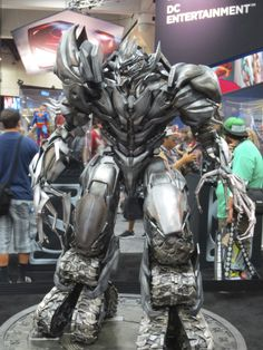 Megatron By Sideshow Collectibles - 2013 SDCC #transformers #megatron #sideshowcollectibles #sdcc