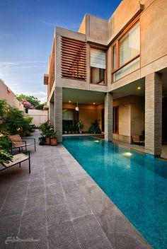 karachi fancy houses - Swimming Pool by Ahmed Shajee Aijazi, via Flick