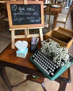Rustic Wedding Decor: 70 Pictures and Passionate Ideas - casamento - Budget Wedding, Wedding Table, Diy Wedding, Rustic Wedding, Wedding Ideas, Dream Wedding, Wedding Simple, Wedding Centerpieces, Wedding Bouquets