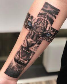 30 Best Cross Tattoos for Religious Men - The Trend Spotter tattoo designs ideas männer männer ideen old school quotes sketches Unique Cross Tattoos, Cross Tattoo For Men, Cross Tattoo Designs, Tattoo Designs For Women, Back Cross Tattoos, Cool Arm Tattoos, Arm Tattoos For Guys, Small Tattoos, Sleeve Tattoos