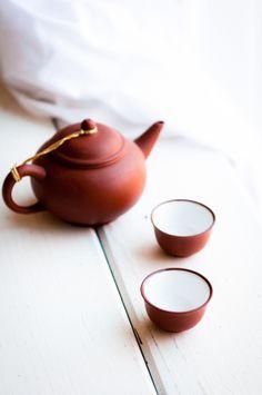 teapot + tea bowls//