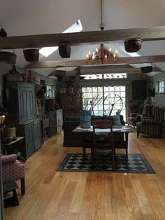 primitive kitchen and dining Primitive Homes, Decor, Primitive Dining Rooms, Home, Colonial Living Room, Primitive Living Room, Colonial Decor, Home Decor, Primitive Kitchen