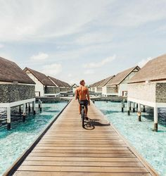 Jack Morris and Lauren Bullen have been living what most people on Instagram would call life goals since they met in Fiji last year. Not only do they spend their days documenting their world travels with flawless photos, they get paid up to $9000 USD for each one they post.