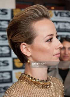 Actress Karine Vanasse arrives at The Annual VES Awards at The Beverly Hilton Hotel on February 2015 in Beverly Hills, California. Olivia Munn, Olivia Wilde, The Beverly, Beverly Hilton, Slicked Back Hair, French Beauty, French Actress, Emma Watson, Woman Face