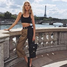 Elsa's clothes and outfits. Find out where to buy the exact clothes Elsa Hosk wore. Mode Outfits, Casual Outfits, Summer Outfits, Fashion Outfits, Fashion Tips, Fashion Trends, Vacation Outfits, Fashion 2018, Paris Fashion