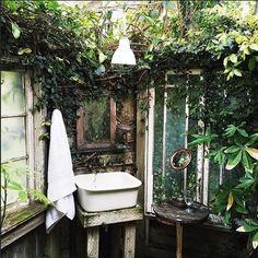Heaven Garden Inspiration!  #urbangarden #gardening #UGRgarden Credit (IG) @whitneyleighmorris . . Want to be part of our community feed? Tag your best urban gardening pics with #urbangardenersrepublic to be featured and click the link in our bio to be informed of our BLOGs launch! . . #communitygarden #organicgardening #urbanfarming #urbanfarm #urbangardening  #allotment #homegarden #garden #jardin #garten #植物 #jardim #taman #gardener #gardens #mygarden #greenthumb #homegrown #gogreen…
