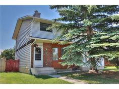 This 2 storey attached unit in Pineridge has been very well maintained and is a great opportunity for the first time home buyer or investor! This home has plenty of curb appeal and allows an abundan First Time Home Buyers, School District, Luxury Real Estate, Calgary, North West, Curb Appeal, The Neighbourhood, The Unit, Cabin