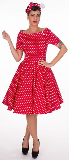 Darlene Retro Full Circle Polka Dot Swing Dress in Red - Swing Dresses Mode Rockabilly, Rockabilly Looks, Rockabilly Fashion, Rockabilly Dresses, Vintage 1950s Dresses, Vintage Inspired Dresses, Retro Dress, Vintage Outfits, African Fashion Skirts