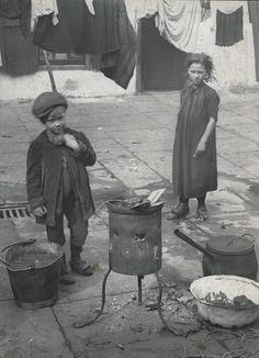 Spitalfields nippers: London's poorest children in the early – in pictures. Credit: Horace Warner/The Religious Society of Friends in Britain. Victorian London, Vintage London, Old London, East London, Victorian Era, London History, British History, Old Pictures, Old Photos