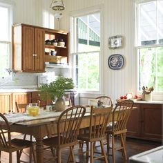 Cottage cool - love the early american furniture