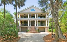 This Kiawah Island vacation rental is located on Kiawah Island's most historic street, is set among 30 magnificent towering oak trees, and is only a 2 minute walk to the beach. This home is designed for entertaining. ...