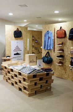 Vous avez cherché pour concept store - Page 2 sur 6 - Journal du Design Boutique Interior, Boutique Design, Shop Interior Design, Showroom Design, Shoe Store Design, Retail Store Design, Retail Shop, Journal Du Design, Crates
