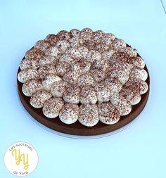 Il s'agit ici d'une version de la tarte au chocolat liégeois de Philippe Andrieu. Elle est composée d'une pâte sucrée au cacao, d'une onctueuse crème au chocolat à base de crème anglaise et pour finir une légère crème chantilly. Bref, que du bon... Cacao, Cereal, Blog, Philippe, Breakfast, Html, Chocolate Custard, Gourmet Desserts, Chantilly Cream