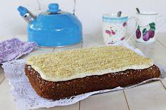 Mrkvové řezy s ořechy Vanilla Cake, Food, Russian Recipes, Polish, Instagram, Recipes, Vanilla Sponge Cake, Meal, Enamel