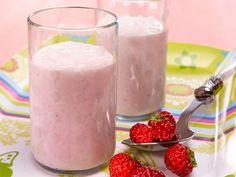Raikas rahkashotti   Valio Glass Of Milk, Pudding, Drinks, Desserts, Food, Drinking, Tailgate Desserts, Beverages, Deserts